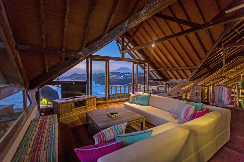 Casa Del Mar Lounge | Nusa Lembongan, Bali