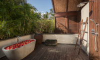 Jeeva Saba Estate Outdoor Bathtub | Gianyar, Bali