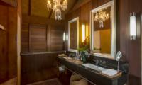 Jeeva Saba Estate Bathroom with Mirror | Gianyar, Bali