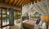 Jeeva Saba Estate Bedroom with Lamps | Gianyar, Bali