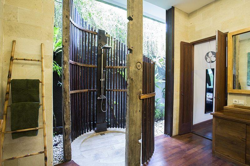 Niconico Mansion Bathroom One | Seminyak, Bali