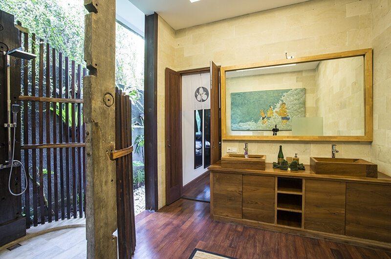 Niconico Mansion Guest Bathroom | Seminyak, Bali