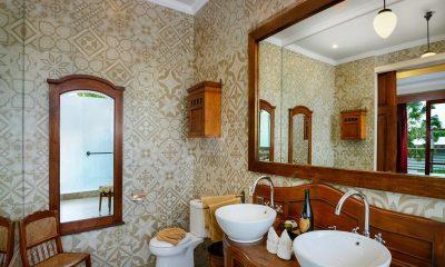 Niconico Mansion Bathroom Five | Petitenget, Bali