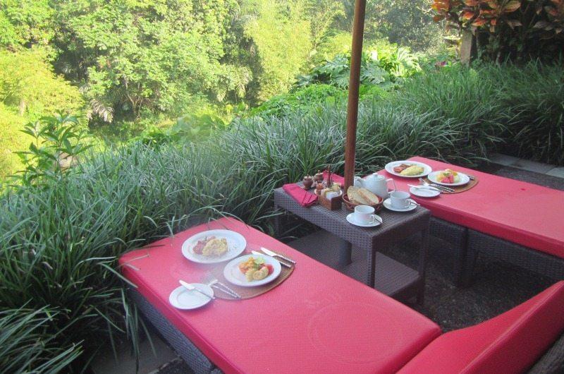 Breakfast at Villa Semana