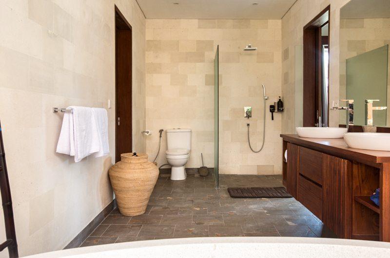 Villa Lotus Lembongan Bathroom | Nusa Lembongan, Bali