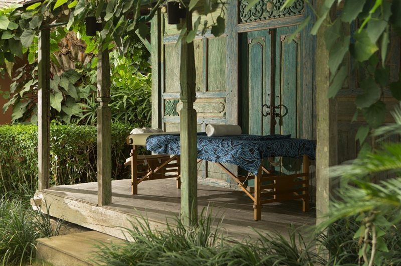 Villa Mamoune Massage Bed | Umalas, Bali