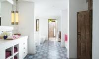 Villa Mamoune Guest Bathroom | Umalas, Bali