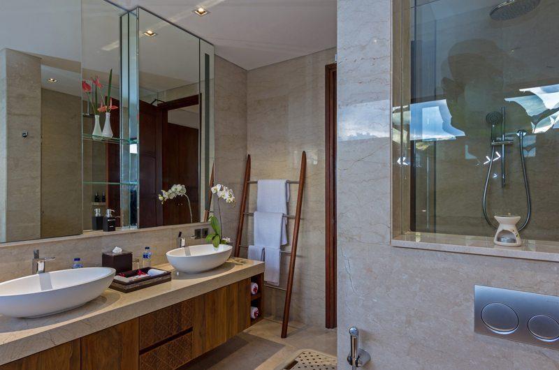 Villa Meliya En-suite Bathroom | Umalas, Bali