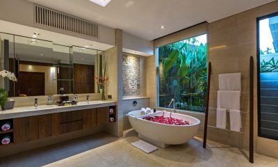 Villa Meliya Master Bathroom | Umalas, Bali