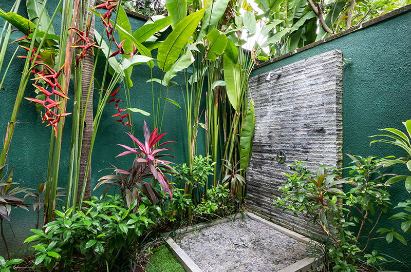 Villa Theo Outdoor Shower | Umalas, Bali