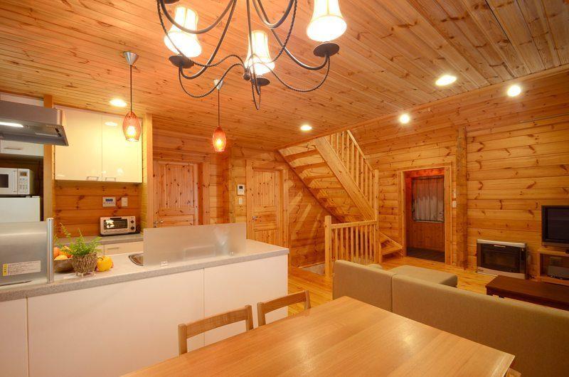 Maki Cottage Living And Dining Area   Hakuba, Nagano