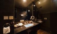 Phoenix One En-suite Bathroom | Hakuba, Nagano