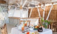 Villa Coral Flora Dining Area | Lombok | Indonesia