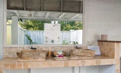 Villa Coral Flora En-suite Bathroom   Lombok   Indonesia
