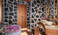 Keemala Tree Pool House Bathroom | Phuket, Thailand