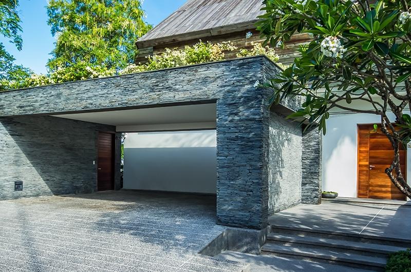 Laemsingh Villa 3 Garage | Surin, Phuket