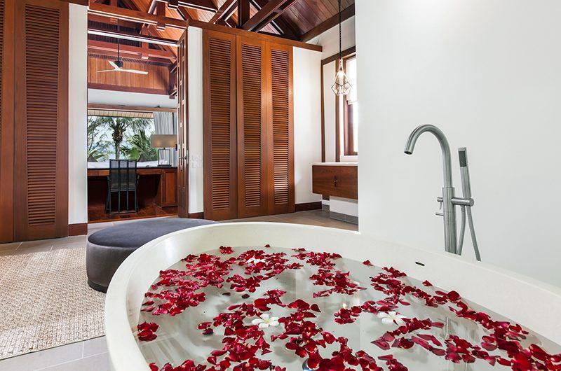 Villa Analaya Bathtub | Phuket, Thailand