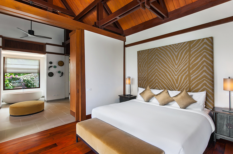 Villa Analaya Bedroom with Bathtub | Phuket, Thailand