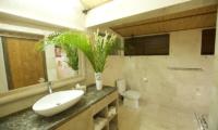 Aqua Nusa Villa Chantique Bathroom | Nusa Lembongan, Bali
