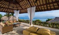 Batu Karang Lembongan Resort Living Area | Nusa Lembongan, Bali