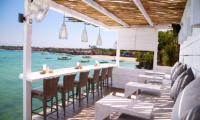 Batu Karang Lembongan Resort The Deck Lounge | Nusa Lembongan, Bali