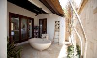 Batu Karang Lembongan Resort One Bedroom Superior Bathtub | Nusa Lembongan, Bali