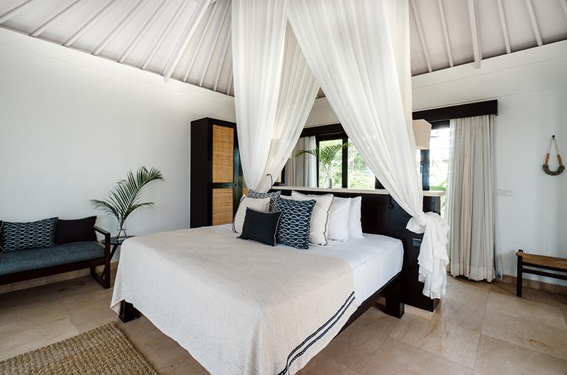 Batu Karang Lembongan Resort Spacious Bedroom with Seating   Nusa Lembongan, Bali