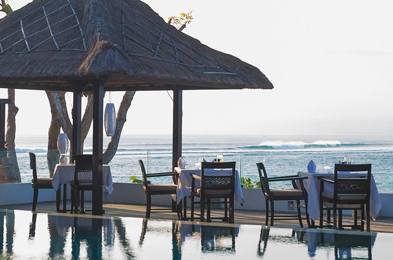Batu Karang Lembongan Resort Pool Bale   Nusa Lembongan, Bali