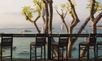 Batu Karang Lembongan Resort Drinking Table   Nusa Lembongan, Bali