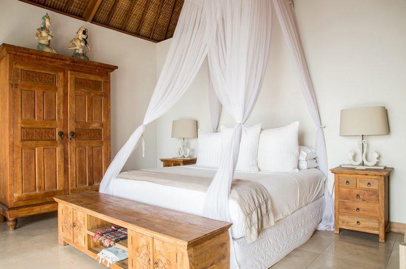 Bersantai Villas Villa Ganesha Guest Bedroom | Nusa Lembongan, Bali