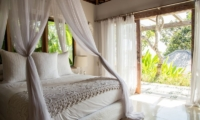 Bersantai Villas Villa Ganesha Bedroom Side View | Nusa Lembongan, Bali