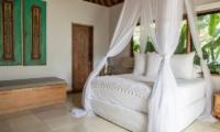 Bersantai Villas Villa Ganesha Bedroom | Nusa Lembongan, Bali