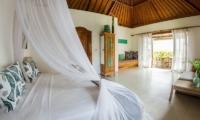 Bersantai Villas Villa Sinta Bedroom | Nusa Lembongan, Bali
