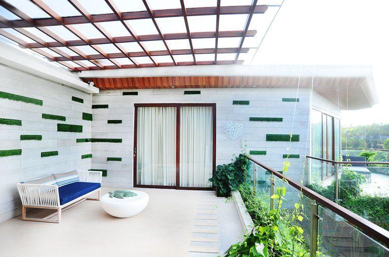 Nazeki Villa Balcony   Uluwatu, Bali
