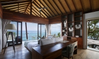 Opera Villa Master Bedroom | Nusa Lembongan, Bali