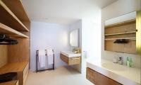 Opera Villa Bathroom One | Nusa Lembongan, Bali