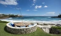 The Beach Shack Outdoor Area | Nusa Lembongan, Bali
