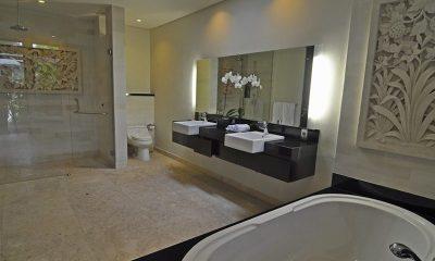 Villa Kejora 10 Master Bathroom | Sanur, Bali