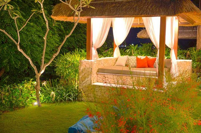 Villa Lago Bale | Nusa Lembongan, Bali