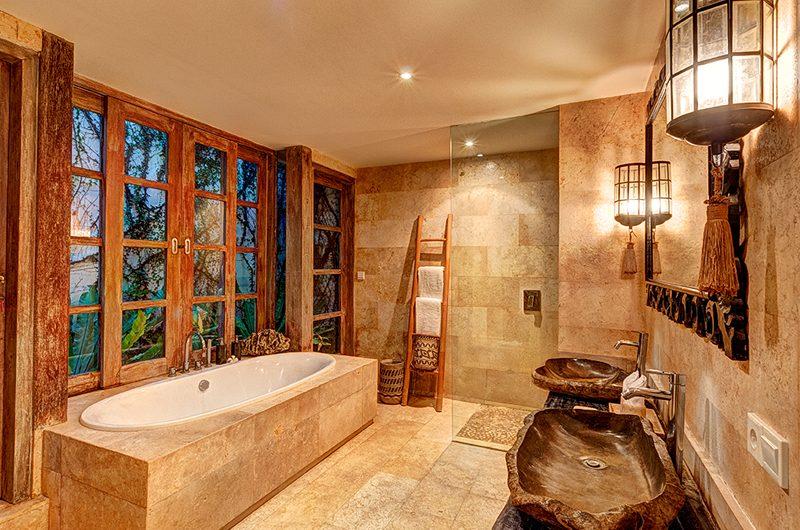 Villa Massilia Four Bedroom Villa Bathtub | Seminyak, Bali