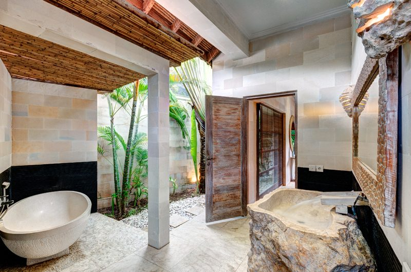 Villa Massilia Three Bedroom Villa Bathroom with Bathtub | Seminyak, Bali