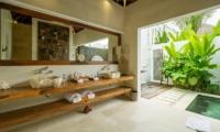 Villa Naty Master Bathroom | Umalas, Bali