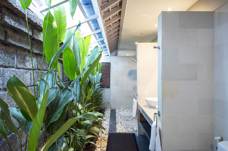 Villa Rinca Anyar Estate Bathroom | Umalas, Bali