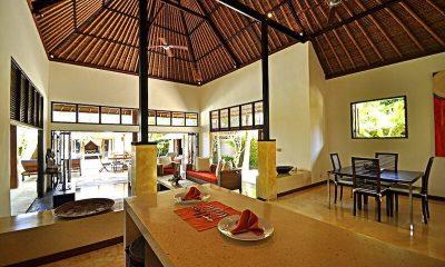 Villa Sasoon Dining Area | Candidasa, Bali