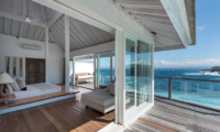 Villa Tranquilla King Size Bed with Sea View   Nusa Lembongan, Bali