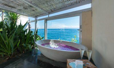 Villa Tranquilla Bathtub | Nusa Lembongan, Bali