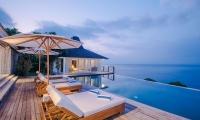 Villa Tranquilla Sun Decks with Night View   Nusa Lembongan, Bali