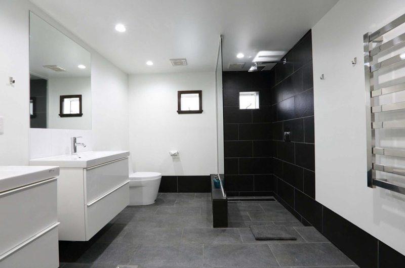 Hakuba Slopeside Chalet Master Bathroom | Hakuba, Nagano