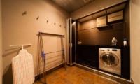 Phoenix Chalets 2br Laundry | Hakuba, Nagano