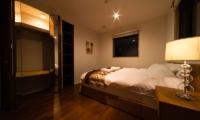 Phoenix Chalets 3br Master Bedroom | Hakuba, Nagano